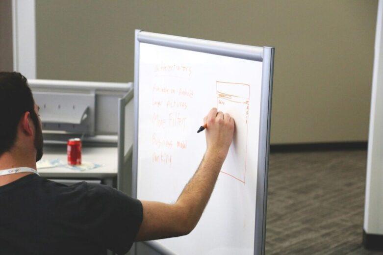 peran dan tugas project manager